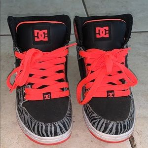 Women's DC sneakers
